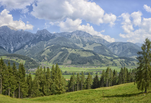 Panoramablick ins Tal von Leogang